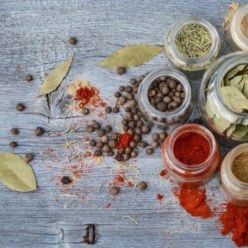 Лечебни билки от кухненския шкаф